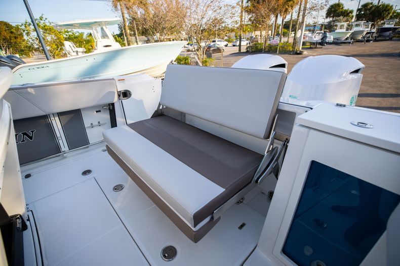 Thumbnail 15 for New 2020 Blackfin 272CC boat for sale in West Palm Beach, FL
