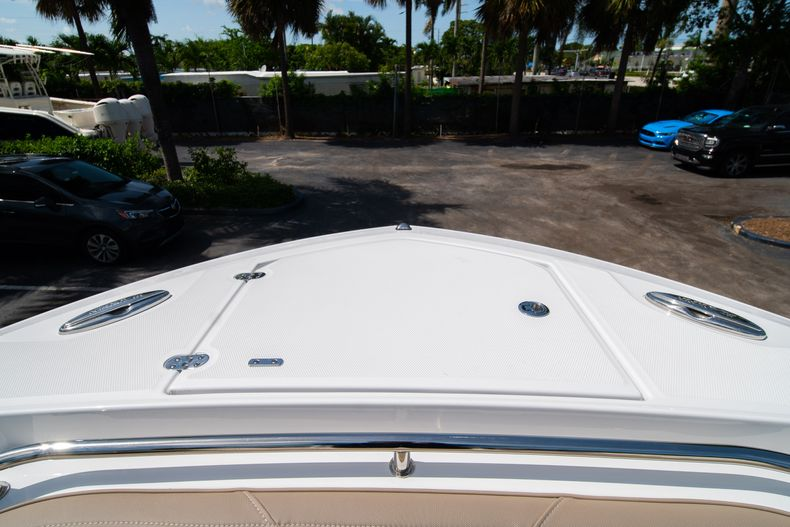 Thumbnail 46 for New 2020 Blackfin 272CC boat for sale in West Palm Beach, FL