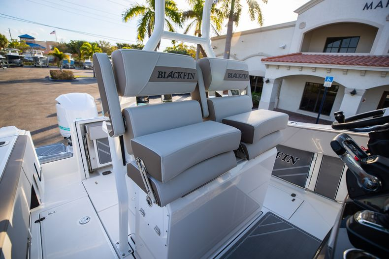 Thumbnail 34 for New 2020 Blackfin 272CC boat for sale in West Palm Beach, FL
