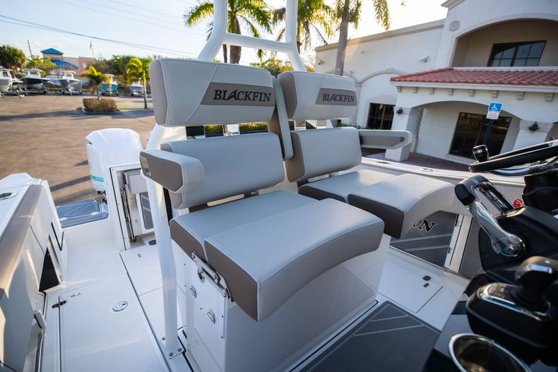 Thumbnail 35 for New 2020 Blackfin 272CC boat for sale in West Palm Beach, FL