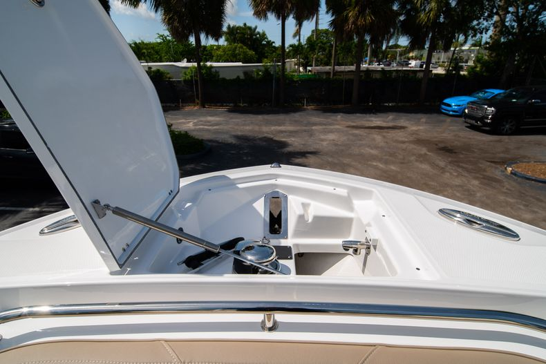 Thumbnail 47 for New 2020 Blackfin 272CC boat for sale in West Palm Beach, FL