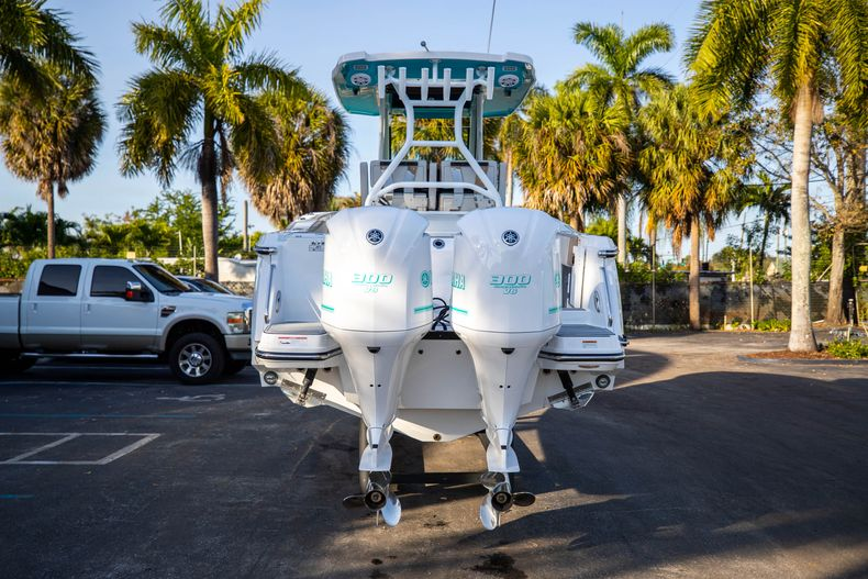Thumbnail 6 for New 2020 Blackfin 272CC boat for sale in West Palm Beach, FL