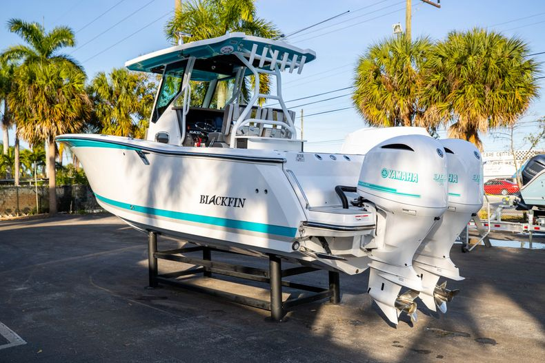 Thumbnail 5 for New 2020 Blackfin 272CC boat for sale in West Palm Beach, FL