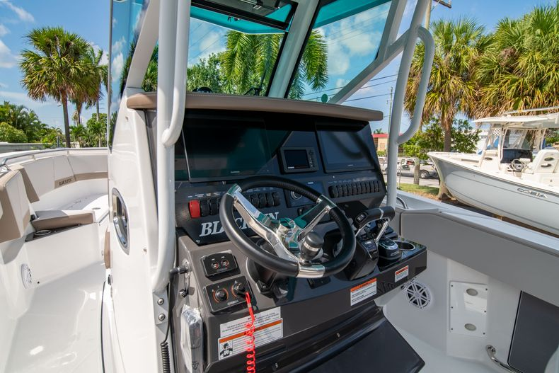 Thumbnail 32 for New 2020 Blackfin 272CC boat for sale in West Palm Beach, FL