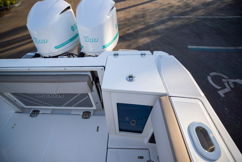 Thumbnail 16 for New 2020 Blackfin 272CC boat for sale in West Palm Beach, FL