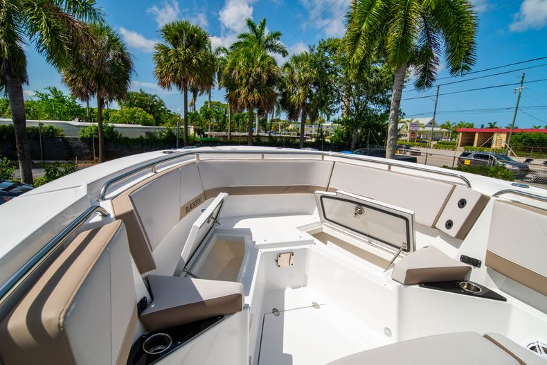 Thumbnail 44 for New 2020 Blackfin 272CC boat for sale in West Palm Beach, FL