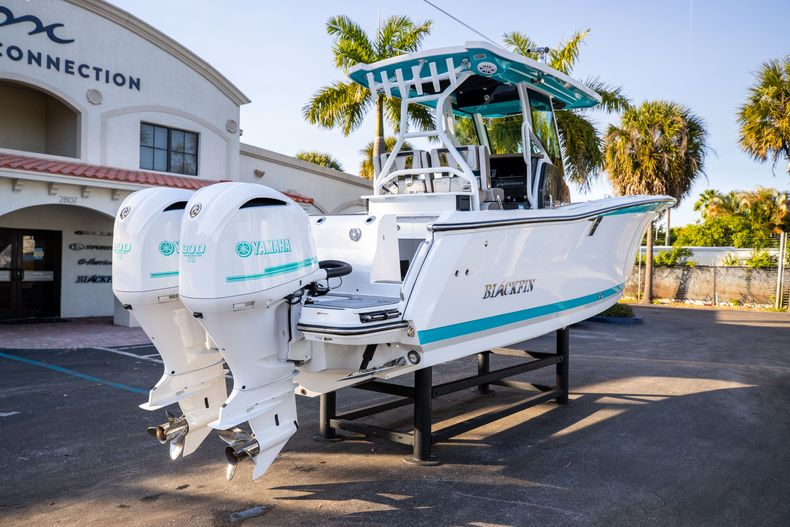 Thumbnail 7 for New 2020 Blackfin 272CC boat for sale in West Palm Beach, FL