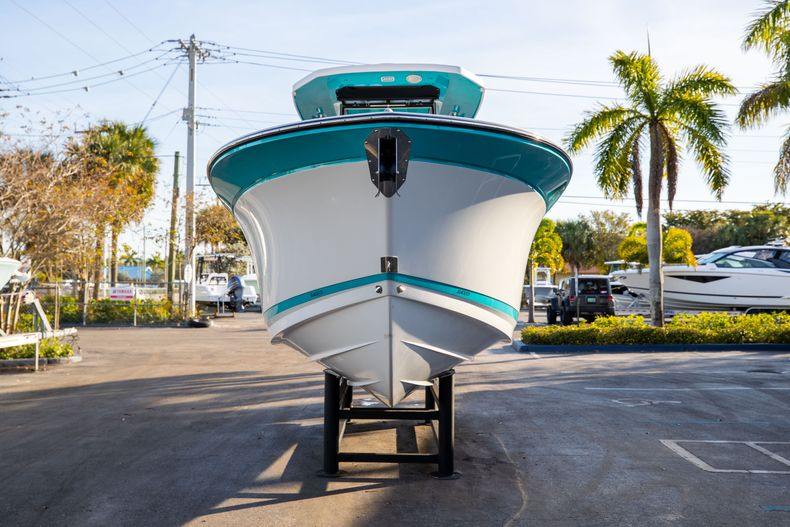 Thumbnail 2 for New 2020 Blackfin 272CC boat for sale in West Palm Beach, FL