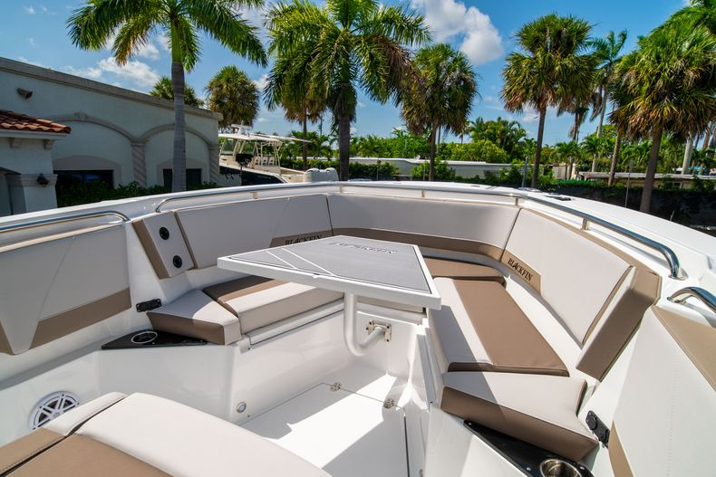 Thumbnail 41 for New 2020 Blackfin 272CC boat for sale in West Palm Beach, FL