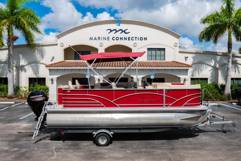 Used 2016 Sylvan Mirage Cruise 820 boat for sale in West Palm Beach, FL