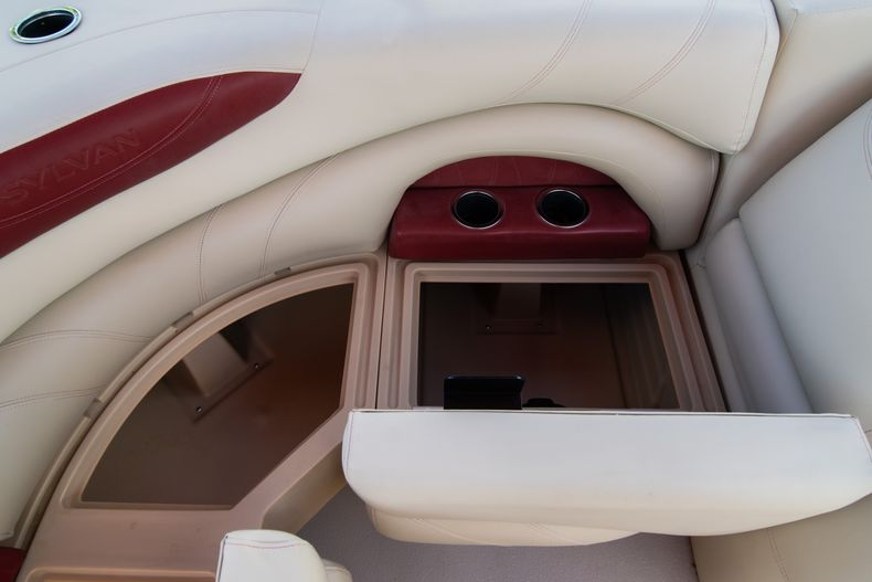 Thumbnail 21 for Used 2016 Sylvan Mirage Cruise 820 boat for sale in West Palm Beach, FL