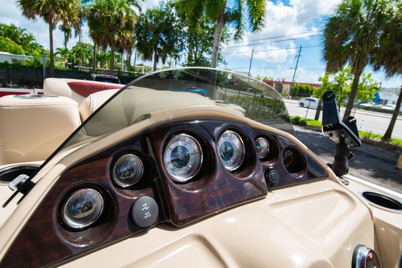 Thumbnail 25 for Used 2016 Sylvan Mirage Cruise 820 boat for sale in West Palm Beach, FL