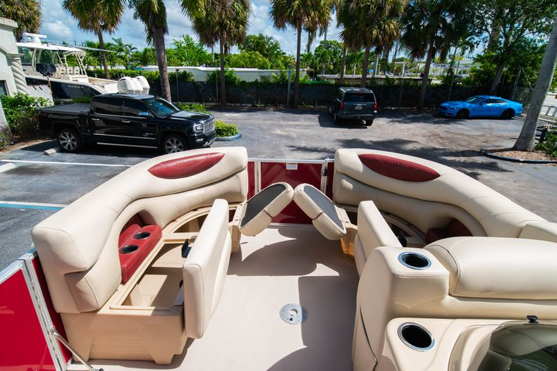 Thumbnail 34 for Used 2016 Sylvan Mirage Cruise 820 boat for sale in West Palm Beach, FL