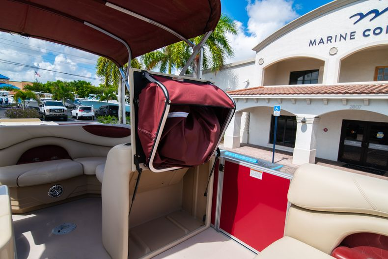 Thumbnail 32 for Used 2016 Sylvan Mirage Cruise 820 boat for sale in West Palm Beach, FL