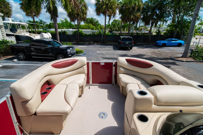 Thumbnail 33 for Used 2016 Sylvan Mirage Cruise 820 boat for sale in West Palm Beach, FL