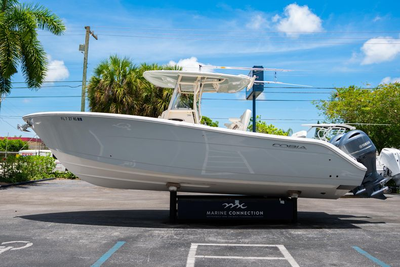 Thumbnail 6 for Used 2017 Cobia 277 CC Center Console boat for sale in West Palm Beach, FL