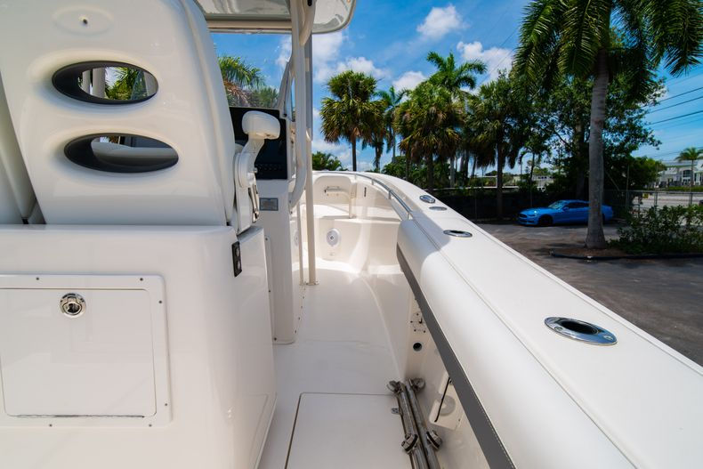 Thumbnail 19 for Used 2017 Cobia 277 CC Center Console boat for sale in West Palm Beach, FL
