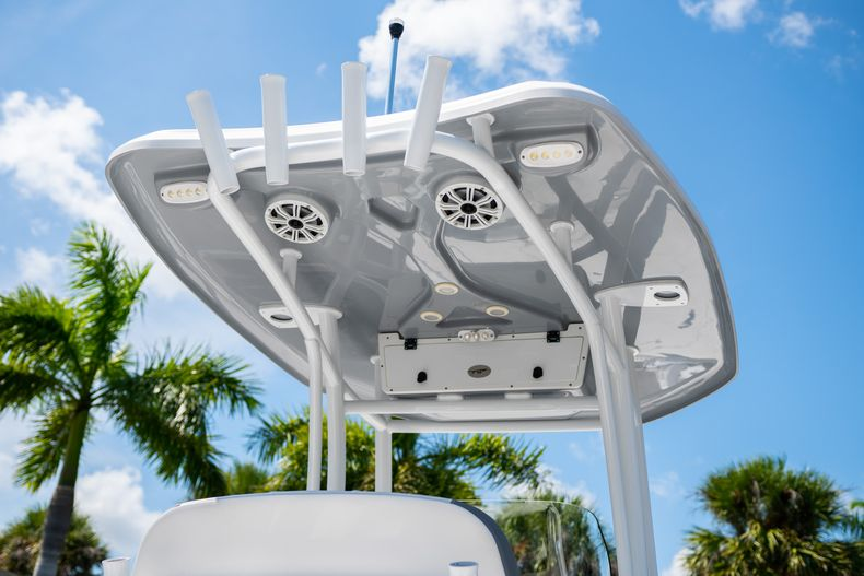 Thumbnail 12 for Used 2017 Tidewater 2500 Carolina Bay boat for sale in West Palm Beach, FL