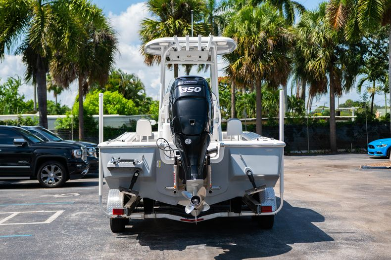 Thumbnail 9 for Used 2017 Tidewater 2500 Carolina Bay boat for sale in West Palm Beach, FL