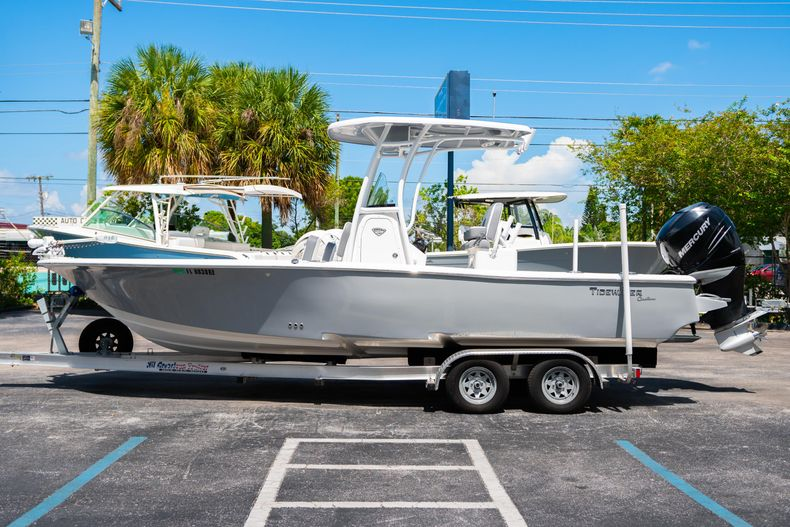 Thumbnail 6 for Used 2017 Tidewater 2500 Carolina Bay boat for sale in West Palm Beach, FL