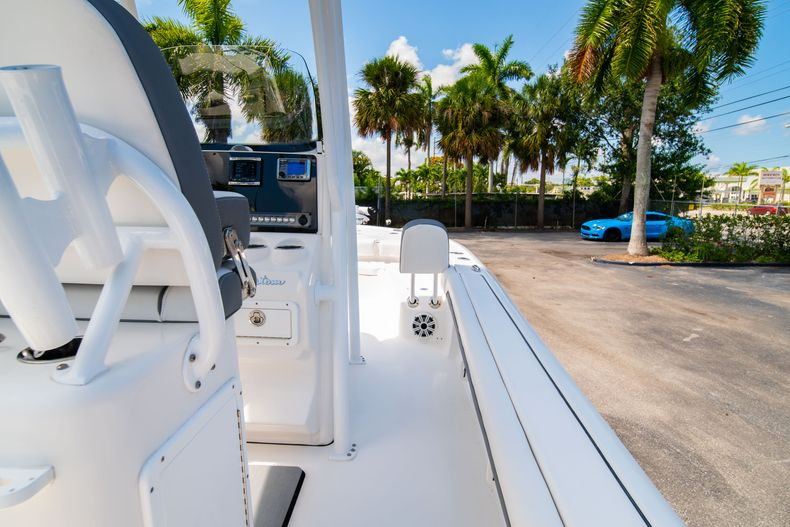 Thumbnail 20 for Used 2017 Tidewater 2500 Carolina Bay boat for sale in West Palm Beach, FL