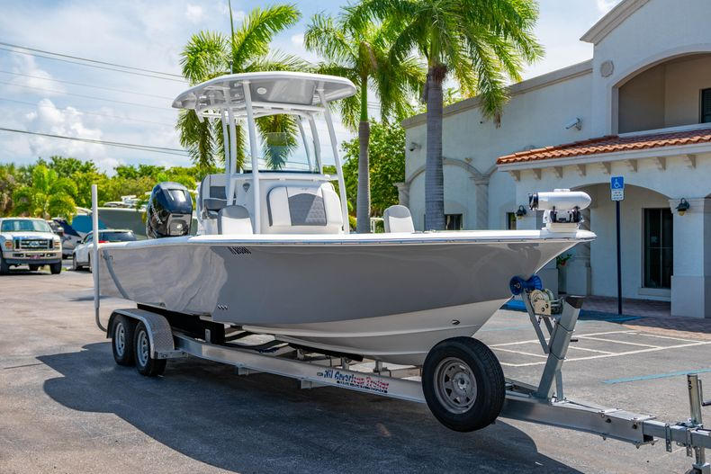 Thumbnail 1 for Used 2017 Tidewater 2500 Carolina Bay boat for sale in West Palm Beach, FL