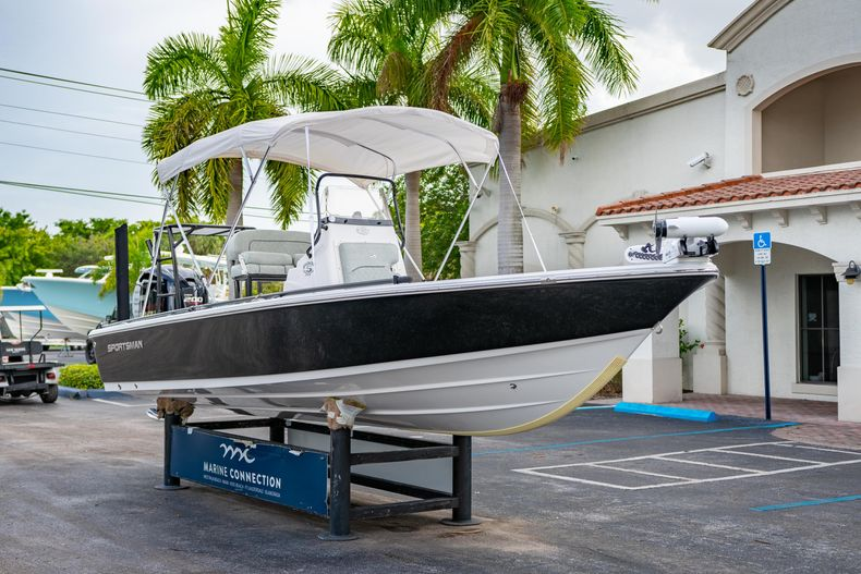 Thumbnail 1 for Used 2019 Sportsman Tournament 214 Bay Boat boat for sale in West Palm Beach, FL
