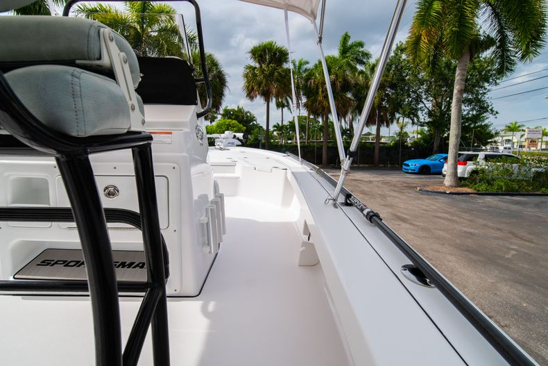 Thumbnail 22 for Used 2019 Sportsman Tournament 214 Bay Boat boat for sale in West Palm Beach, FL
