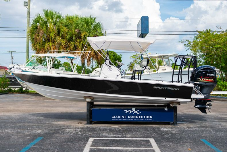 Thumbnail 7 for Used 2019 Sportsman Tournament 214 Bay Boat boat for sale in West Palm Beach, FL
