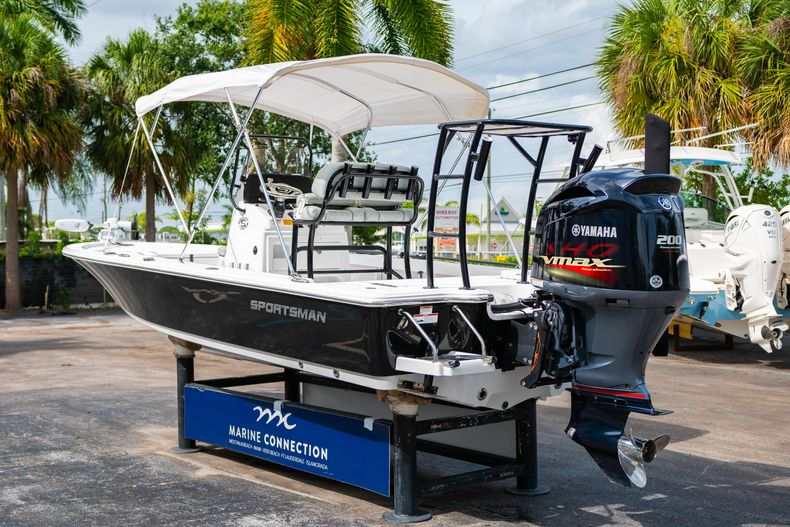 Thumbnail 8 for Used 2019 Sportsman Tournament 214 Bay Boat boat for sale in West Palm Beach, FL