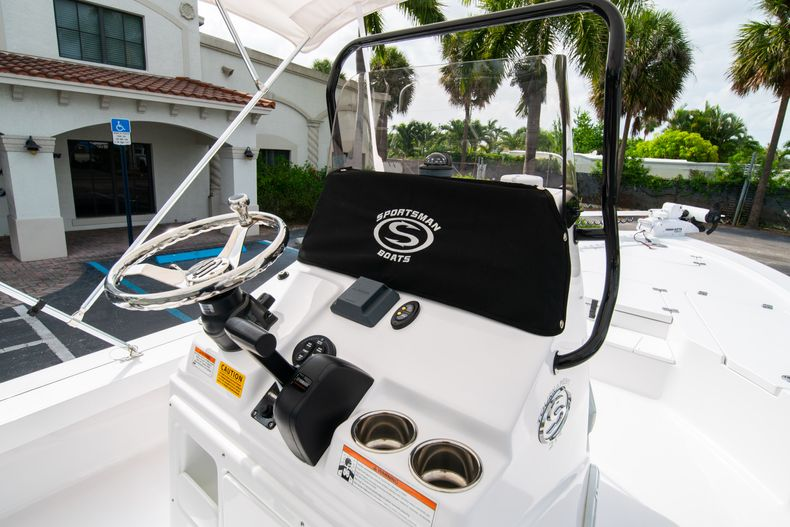 Thumbnail 25 for Used 2019 Sportsman Tournament 214 Bay Boat boat for sale in West Palm Beach, FL