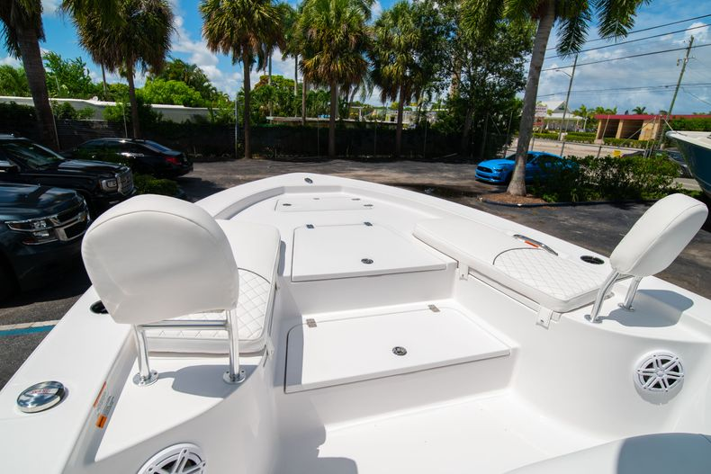 Thumbnail 36 for New 2021 Sportsman Masters 247 Bay Boat boat for sale in West Palm Beach, FL