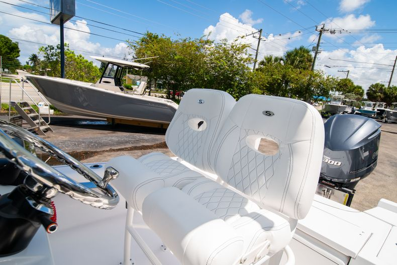 Thumbnail 31 for New 2021 Sportsman Masters 247 Bay Boat boat for sale in West Palm Beach, FL