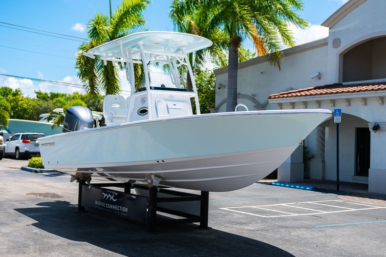 Thumbnail 1 for New 2021 Sportsman Masters 247 Bay Boat boat for sale in West Palm Beach, FL