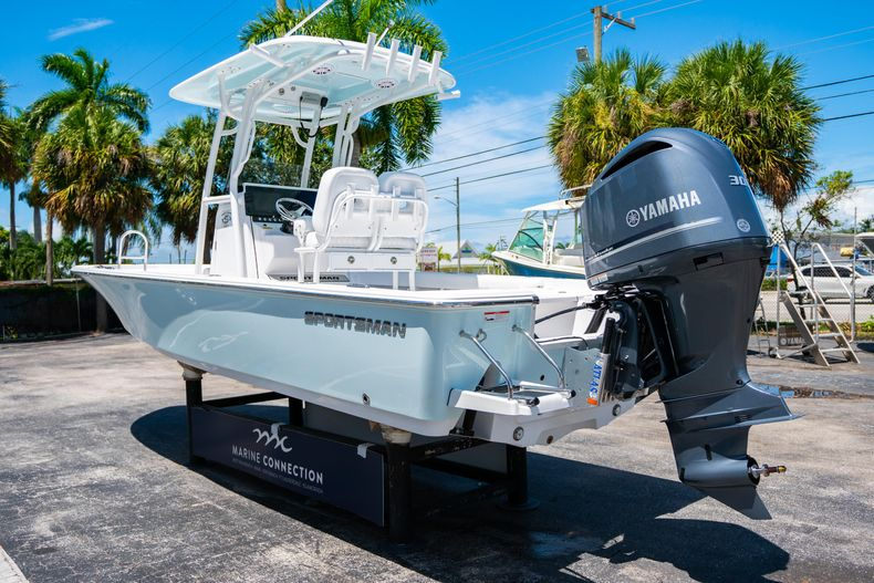 Thumbnail 5 for New 2021 Sportsman Masters 247 Bay Boat boat for sale in West Palm Beach, FL
