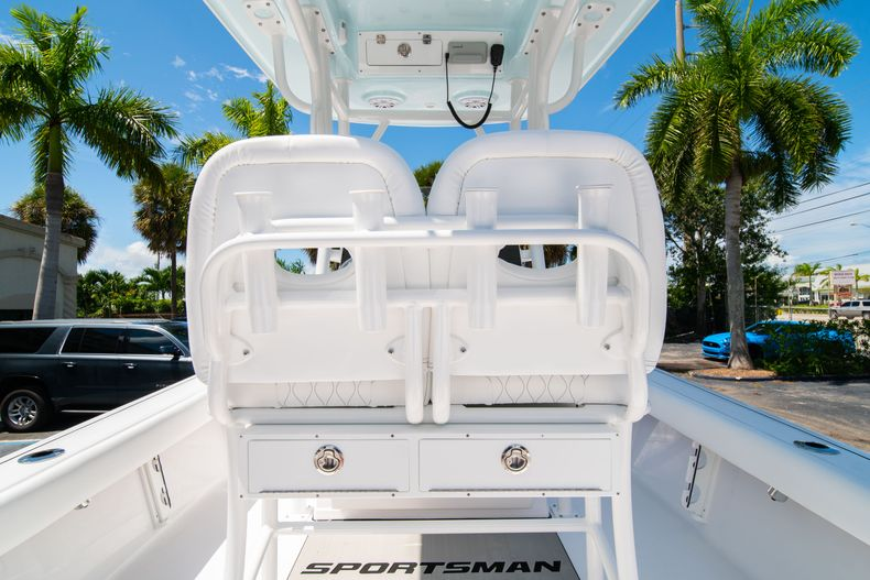 Thumbnail 17 for New 2021 Sportsman Masters 247 Bay Boat boat for sale in West Palm Beach, FL