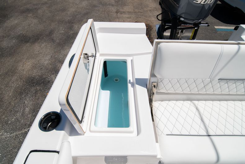 Thumbnail 11 for New 2021 Sportsman Masters 247 Bay Boat boat for sale in West Palm Beach, FL