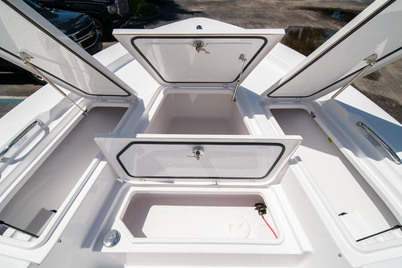 Thumbnail 38 for New 2021 Sportsman Masters 247 Bay Boat boat for sale in West Palm Beach, FL