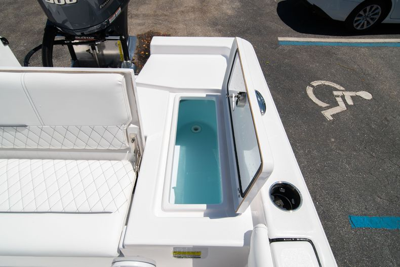 Thumbnail 14 for New 2021 Sportsman Masters 247 Bay Boat boat for sale in West Palm Beach, FL