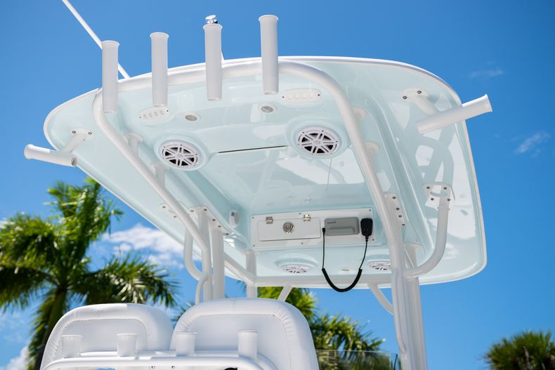 Thumbnail 8 for New 2021 Sportsman Masters 247 Bay Boat boat for sale in West Palm Beach, FL
