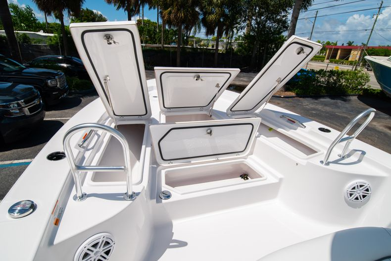 Thumbnail 37 for New 2021 Sportsman Masters 247 Bay Boat boat for sale in West Palm Beach, FL