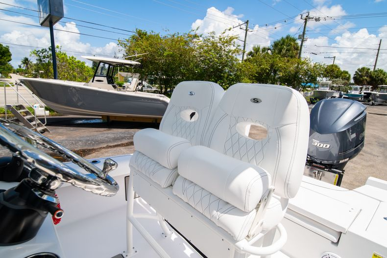 Thumbnail 30 for New 2021 Sportsman Masters 247 Bay Boat boat for sale in West Palm Beach, FL