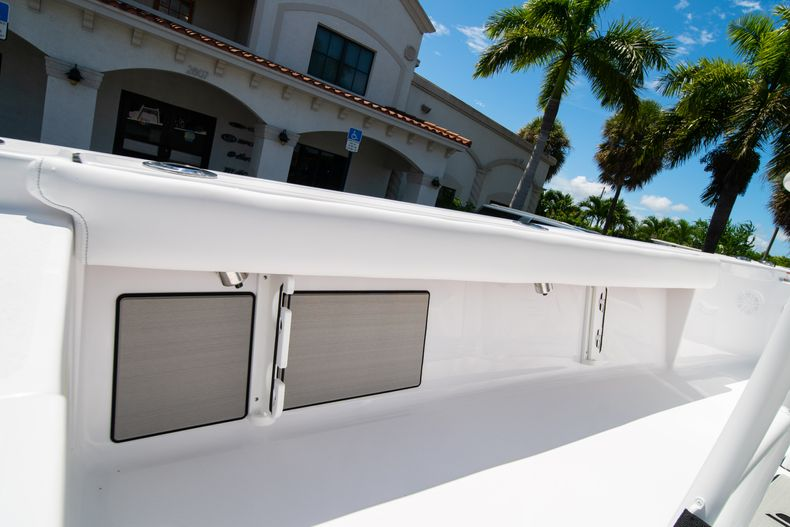 Thumbnail 19 for New 2021 Sportsman Masters 247 Bay Boat boat for sale in West Palm Beach, FL