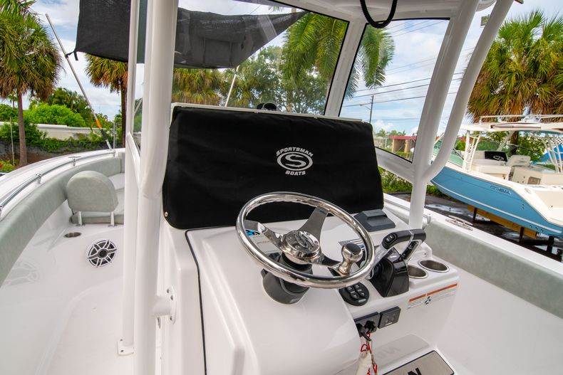 Thumbnail 39 for Used 2020 Sportsman Heritage 251 Center Console boat for sale in West Palm Beach, FL