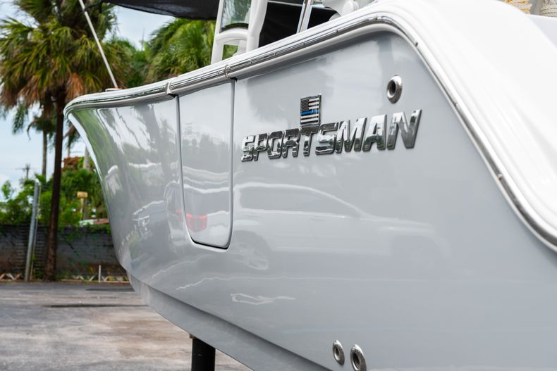 Thumbnail 8 for Used 2020 Sportsman Heritage 251 Center Console boat for sale in West Palm Beach, FL