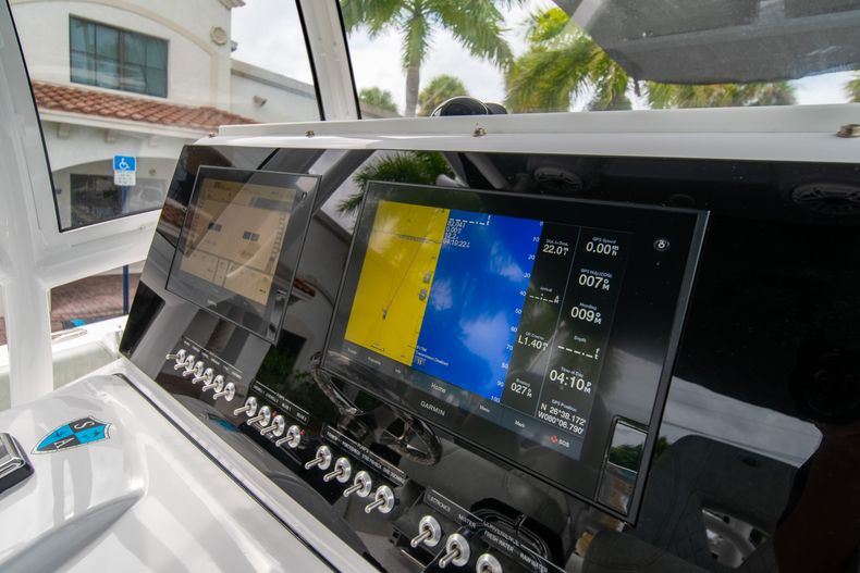 Thumbnail 34 for Used 2020 Sportsman Heritage 251 Center Console boat for sale in West Palm Beach, FL