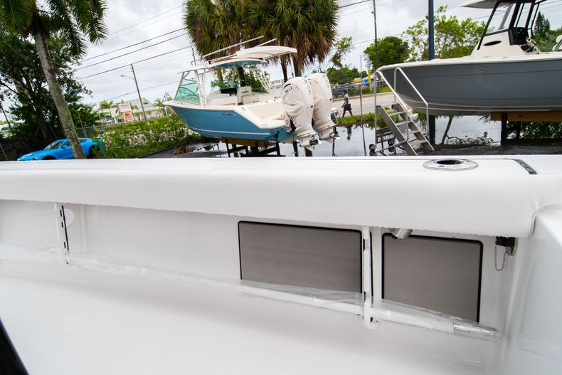 Thumbnail 15 for New 2021 Sportsman Masters 227 Bay Boat boat for sale in West Palm Beach, FL