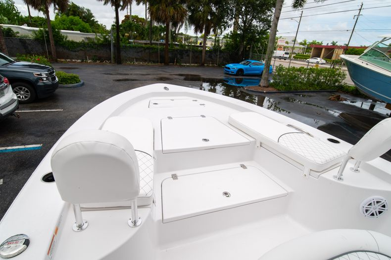 Thumbnail 37 for New 2021 Sportsman Masters 227 Bay Boat boat for sale in West Palm Beach, FL