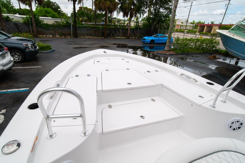 Thumbnail 38 for New 2021 Sportsman Masters 227 Bay Boat boat for sale in West Palm Beach, FL