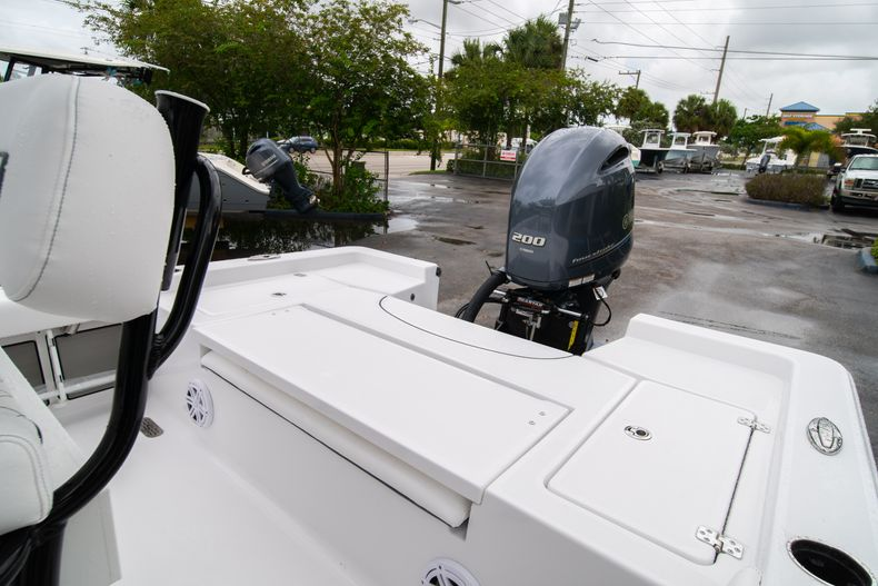 Thumbnail 12 for New 2021 Sportsman Masters 227 Bay Boat boat for sale in West Palm Beach, FL